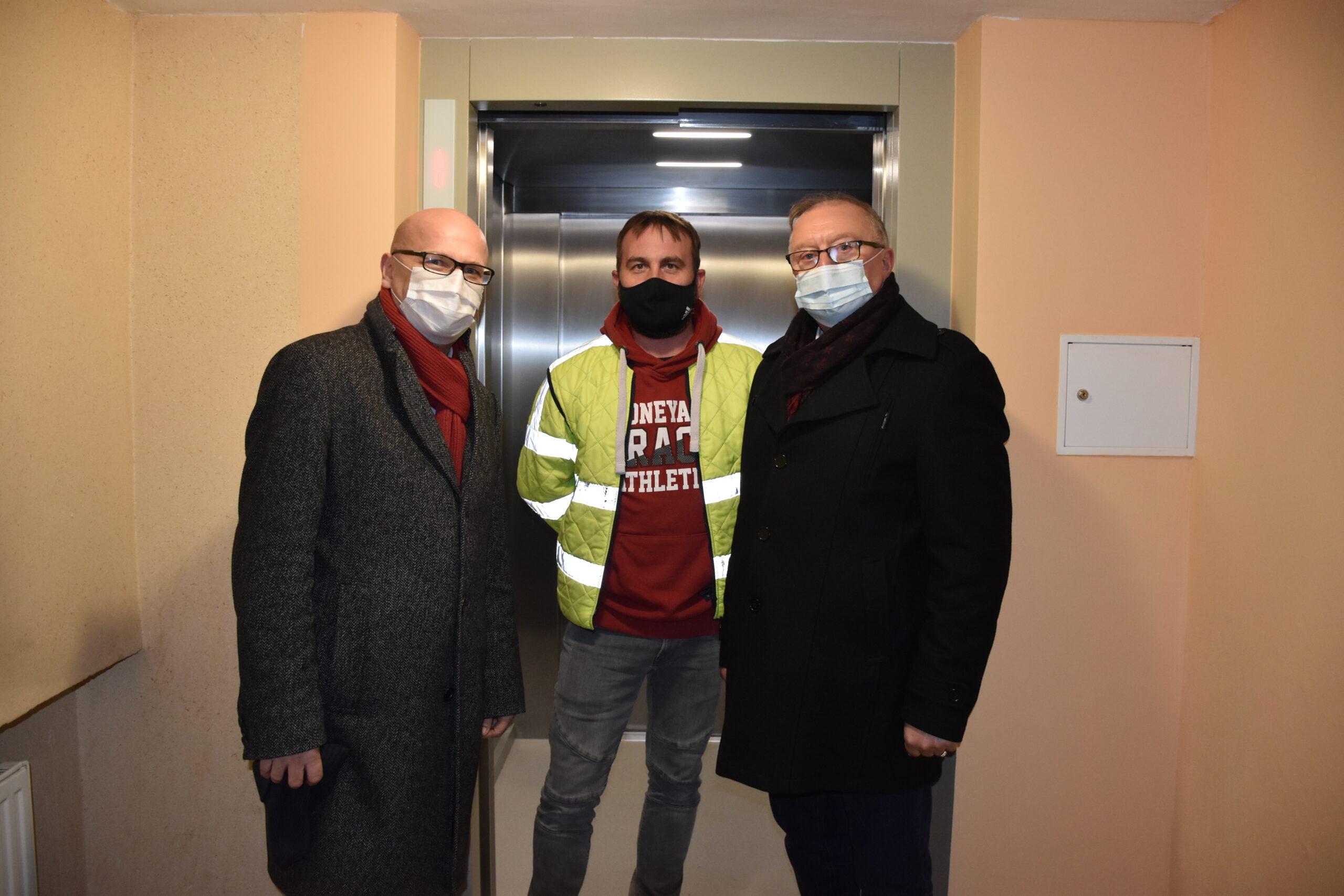 """Kolejna nowa winda w DPS """"Jutrzenka"""""""