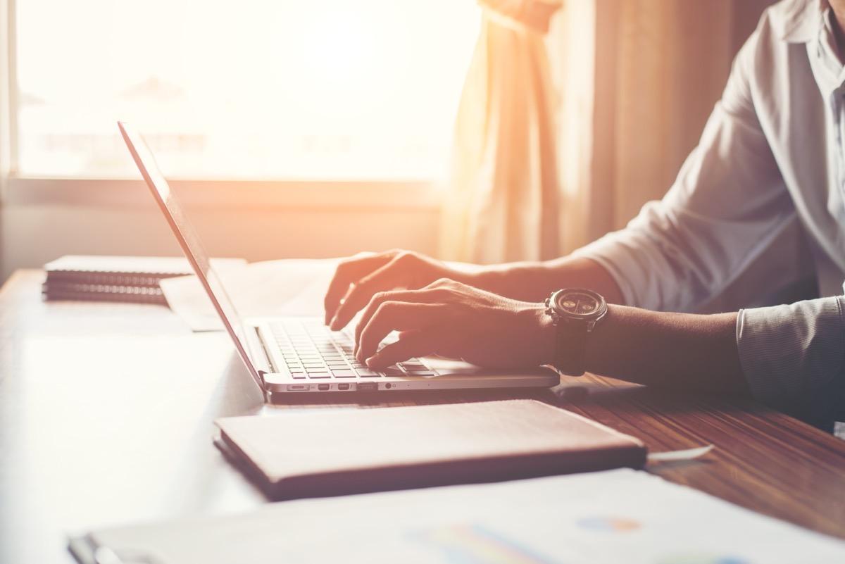 E-usługi – załatw sprawę bez wychodzenia z domu